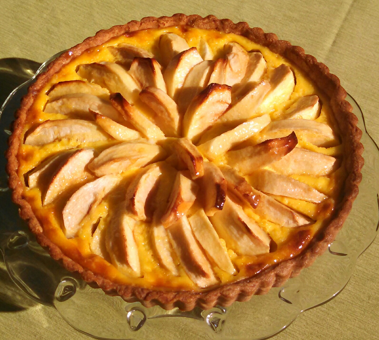 golden_cream_apple_tart