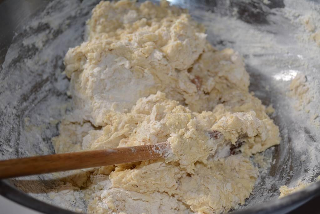 stiring-dough