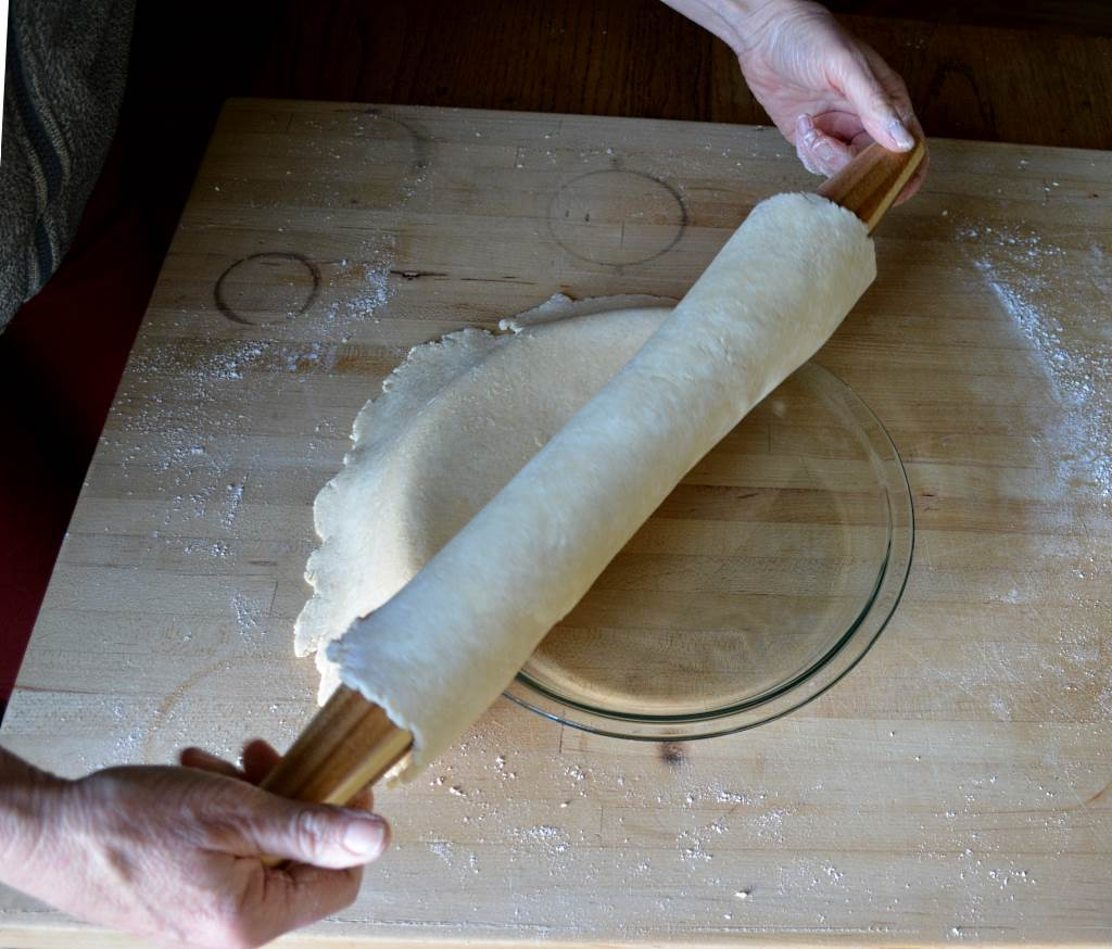 Best-Pie-Dough-unrolling-on-pan