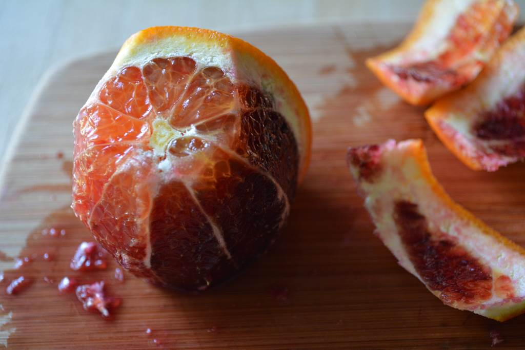 Painted-Tart-with-Blood-Oranges-almost-ready-for-slicing