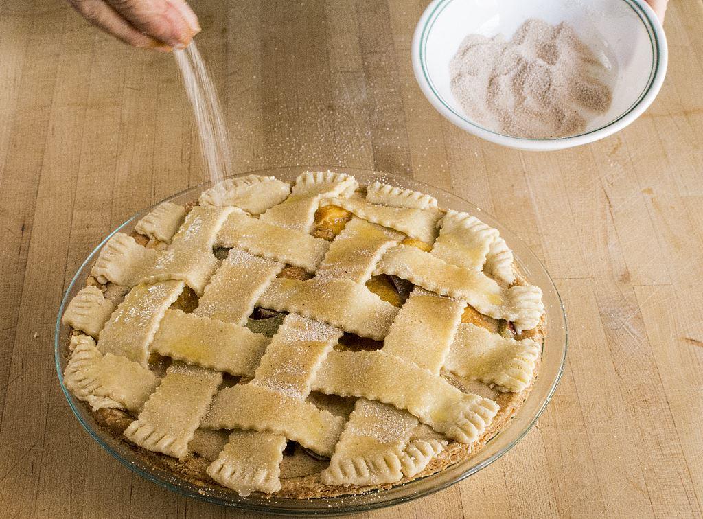 cinnamon sugar lattice pie weave topping