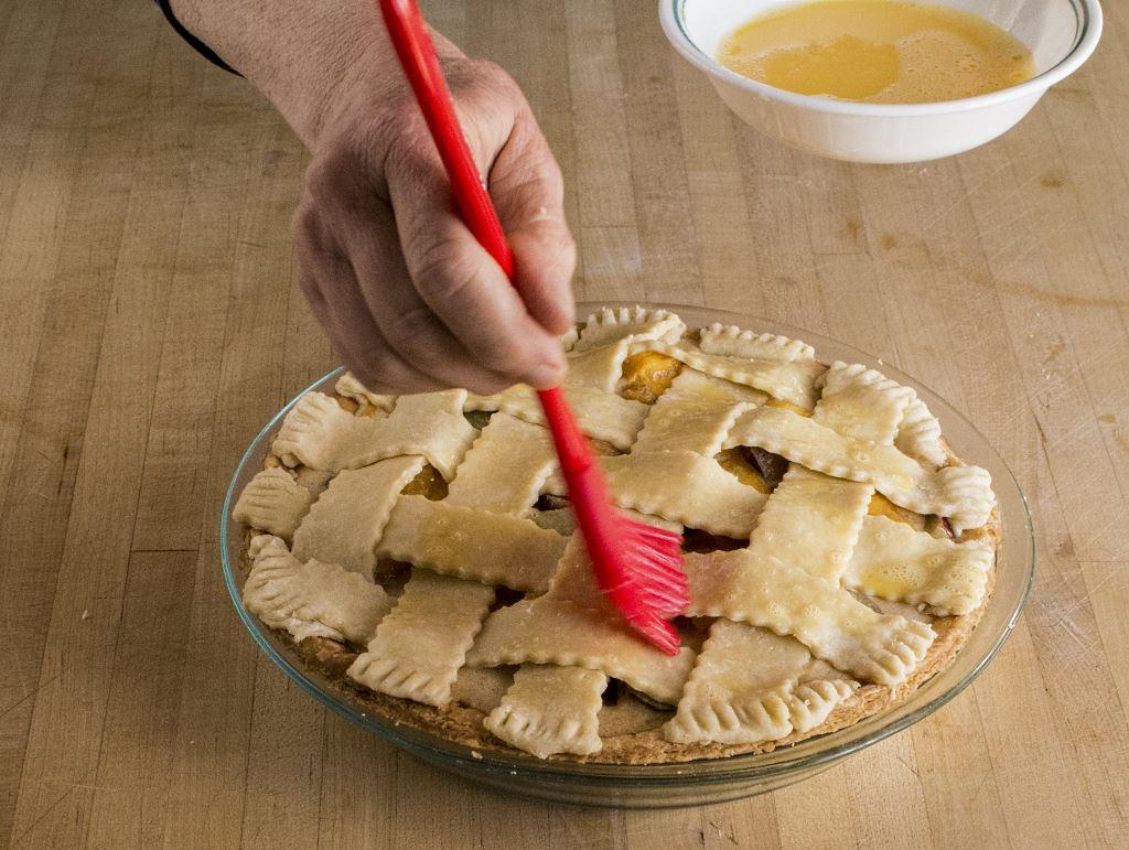 egg washing lattice pie weave