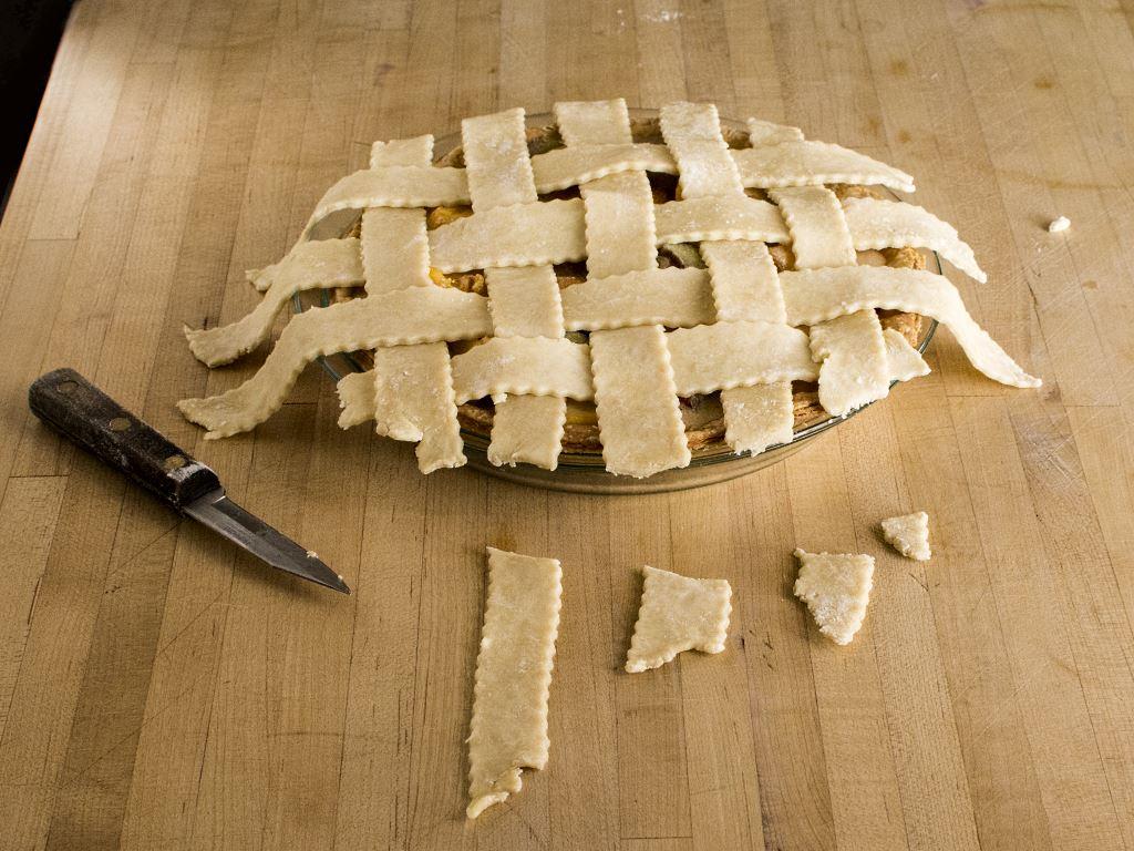 trimming-lattice-pie-weave