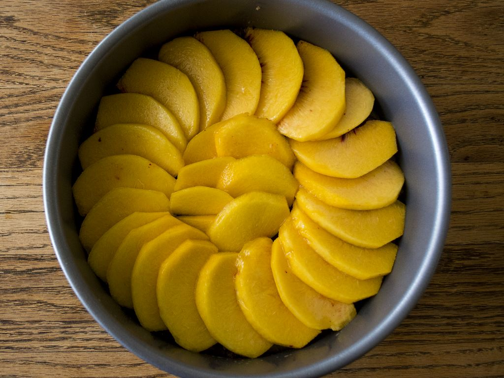 pretty-peaches-in-pan